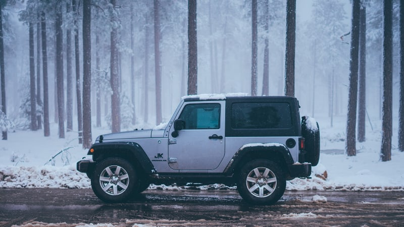 Is it safe to drive a jeep in the snow
