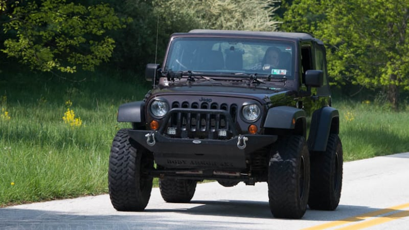 Top Reasons Why Your Jeep Shakes When You Accelerate